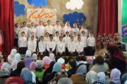 سرود ای ایران توسط دانش آموزان دبستان گیو در جشن سده