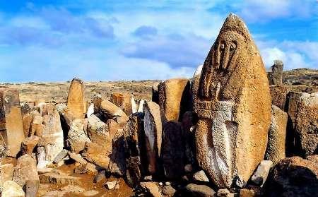 سنگ افراشته های محوطهٔ تاریخی «شهریری»،بی نظیر در دنیا