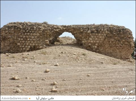 بی مهری به بنای آتشکده آذرجوی در شهر داراب پارس