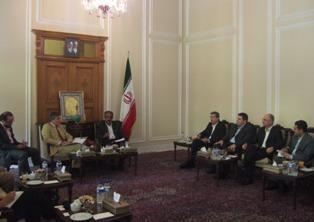 نشست وگفتگو با نمایندگانی از پارلمان انگلیس در تالار مشروطه مجلس