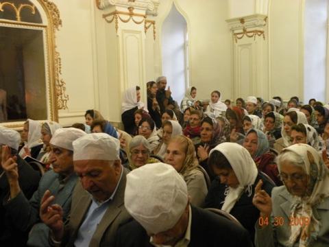 برگزاری آیین گهنبار چهره میدیو زرم گاه و سخنرانی در آدریان تهران